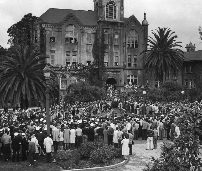 old_college_1945